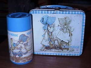 I still love Holly Hobbie.: Remember This, Lunch Boxes, Childhood Memories, Lunches Boxes, Hobbies Lunches, Canopies Beds, Elementary Schools, Lunchbox, Holly Hobbies