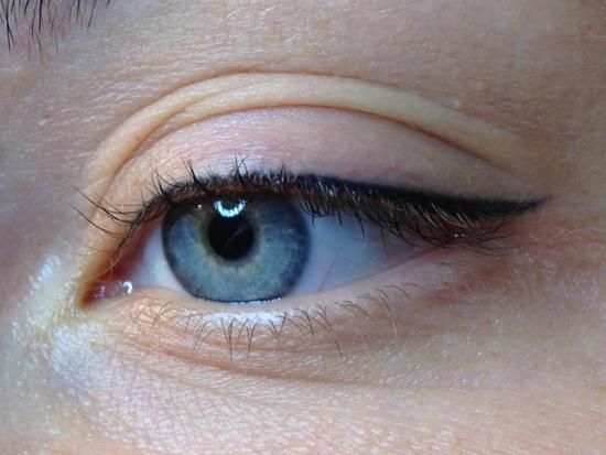 eyebrow tattoo / semi-permanent make-up / micro pigmentation by Hanna
