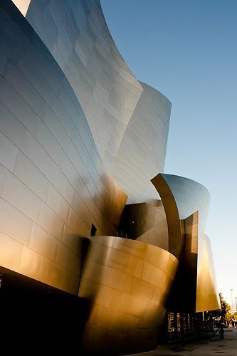 Walt Disney concert hall, Los Angeles. Designed by Frank Gehry. Fabulous modern architecture!