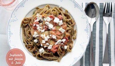 Mal wieder herzhaft: Tagliatelle mit Zucchini und Feta