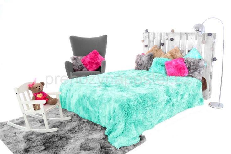 Chlupaté OMBRE přikrývky a deky mentolové barvy na postel