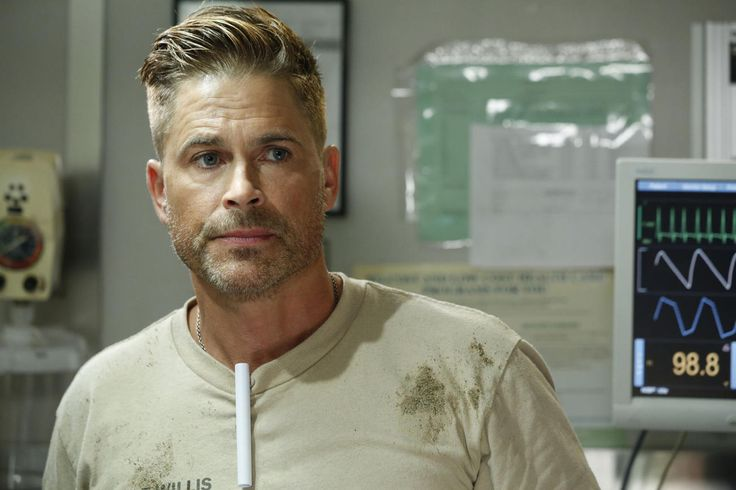 Here's Your First Look at Rob Lowe on Code Black