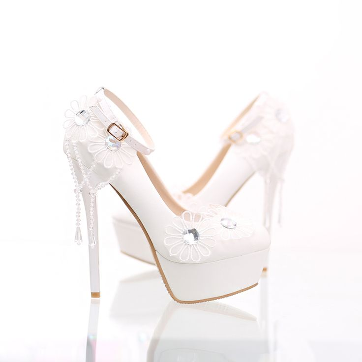 White wedding shoes many bride's dreaming  shoes thin ultra high heels make you confident white lace flower and pearl more noble