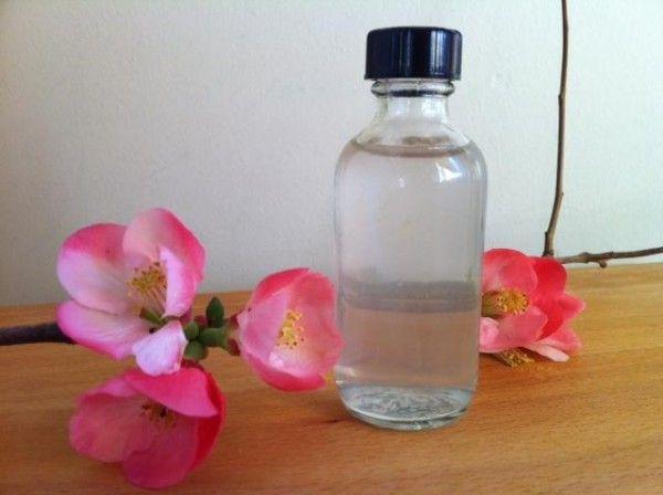 Agua de colonia: semillas de cardamomo, aceites esenciales, vodka, agua mineral.