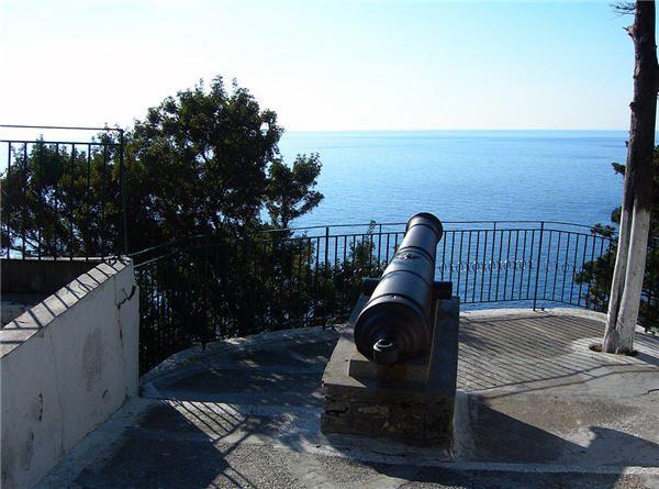 Russian Cannon, Corfu