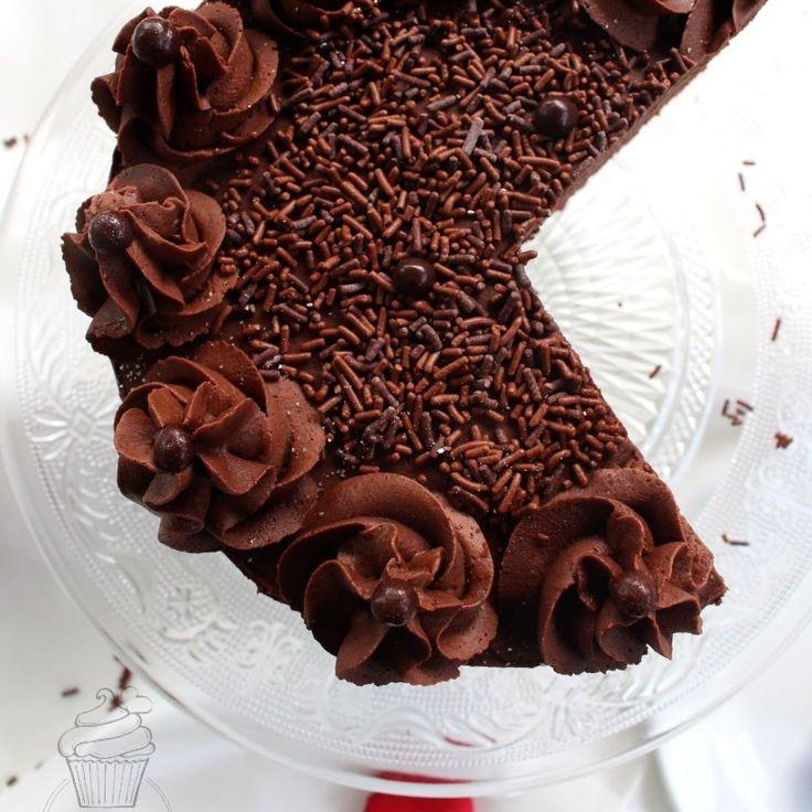 Eine cremige Torte mit einer schokoladigen Creme, dem ein Schuss Baileys eine ganz besondere Note verleiht.