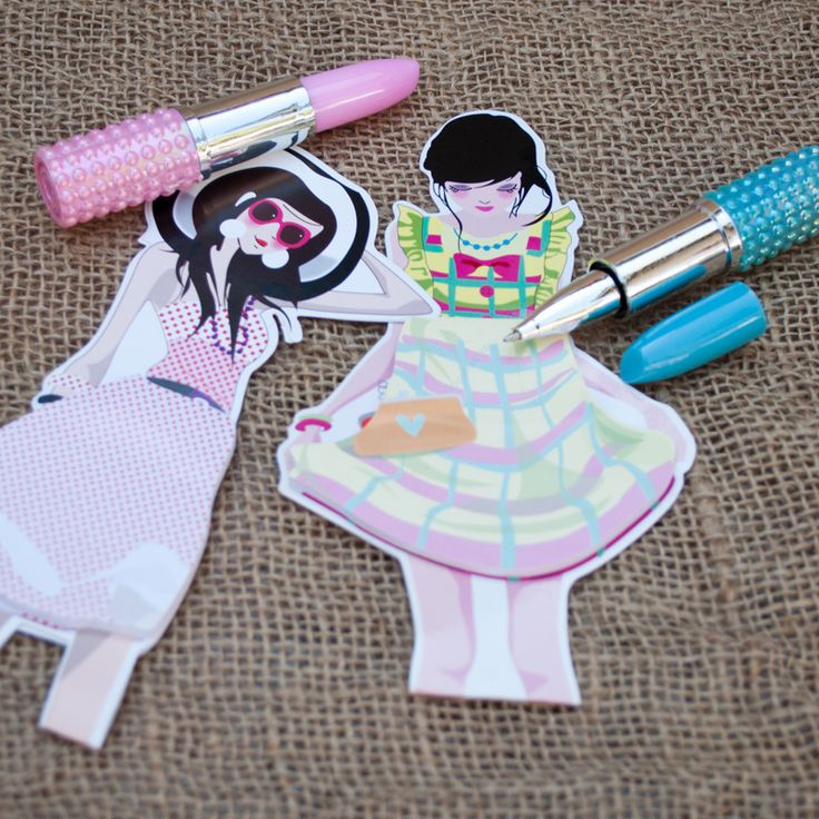 pair a lipstick pen with a woman notepad for Women's Day gifts