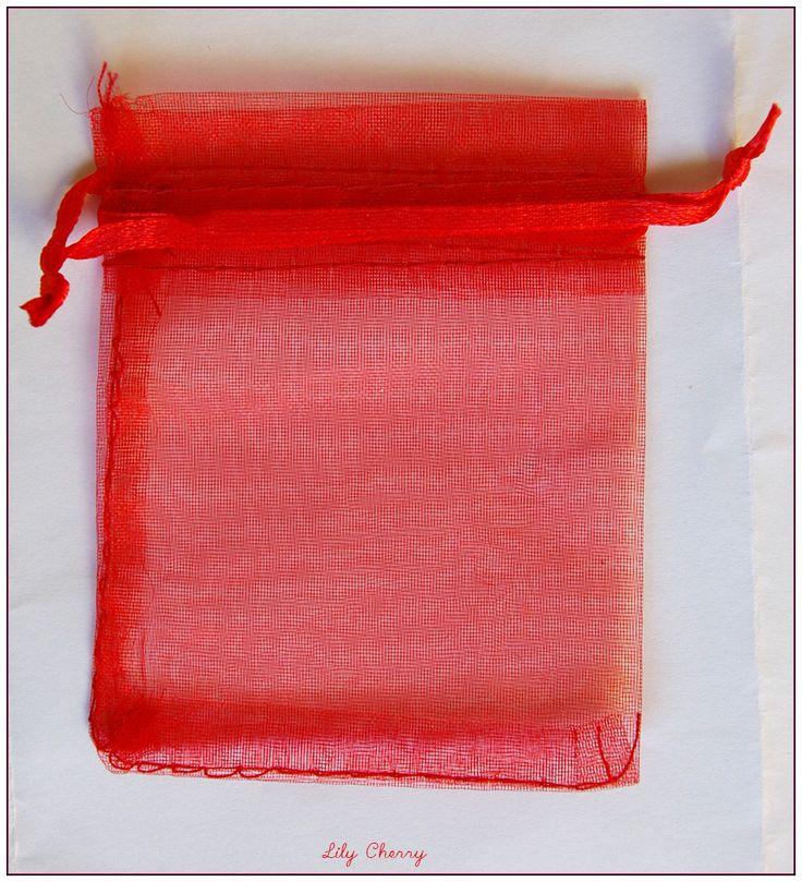 1 sac pochette cadeaux bourse organza noël anniversaire rouge taille 7cmx9cm x1 : Emballages cadeaux bijoux par lilycherry