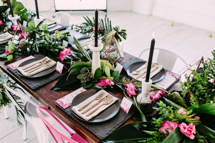 Place Setting | Gold Flatware | Aloha Tropical Wedding Inspiration | Wedding ideas | Fuchsia Pink & Greenery Colour Scheme | Rebecca Goddard Photography | http://www.rockmywedding.co.uk/tropics-in-the-city/