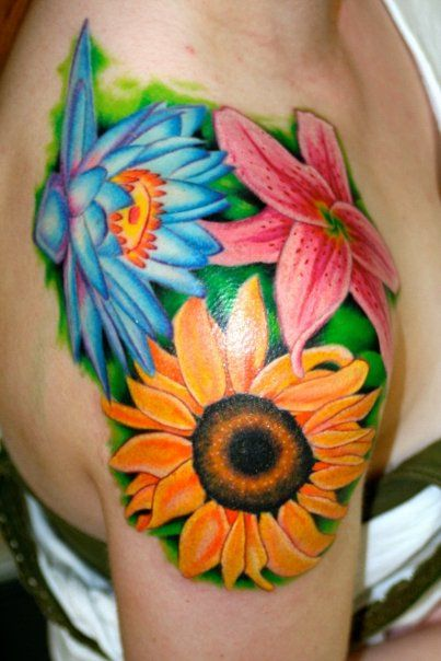 I love how vibrant the colors are here.Tattoo Ideas, Colors Tattoo, Colors Flower Tattoo, Vibrant Colors, Sunflowers Tattoo, Blue Flower, Shoulder Tattoo, Bright Colors, Blue And Green Flower Tattoo