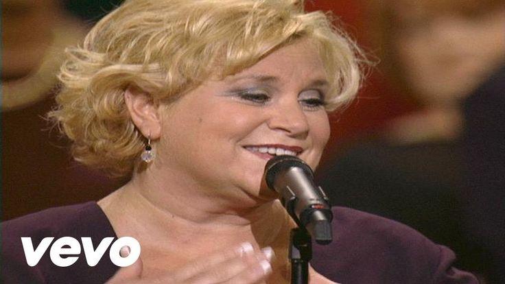 Bill & Gloria Gaither - Love in Any Language [Live] ft. Sandi Patty, Jes...