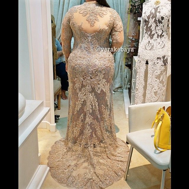 Sneak peek... #kebaya #pemberkatan #akadnikah #fitting #lace #beads #batik #swarovskicrystals #weddingdress #weddinginspiration #verakebaya ❤️❤️❤️
