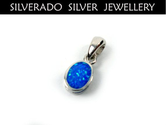 Sterling Silver 925 Modern Oval Shape Small Pendant Fire Rainbow Opal 6x9mm on Etsy, 13,00 €