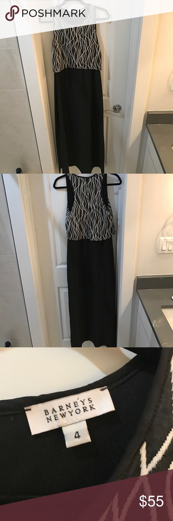 Barneys New York Black Maxi Dress - Size 4 🖤 Barneys New York Size 4 Black Maxi Dress with textured black and white top. High slit but built in short slip to keep you safe ☺️ Purchased at Barneys New York. Perfect for summer date nights or brunch with your girl friends. Worn but like new. Barneys New York Dresses Maxi