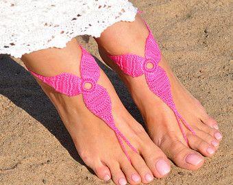 Uncinetto fucsia sandali a piedi nudi, piedi gioielli, regalo di damigella d'onore, a piedi nudi sandali, spiaggia, cavigliera, scarpe, matrimonio sulla spiaggia, estate scarpe da sposa