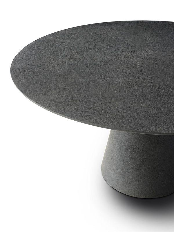 ROCK TABLE. Круглые столы, а также для наружной. MDF Italia.