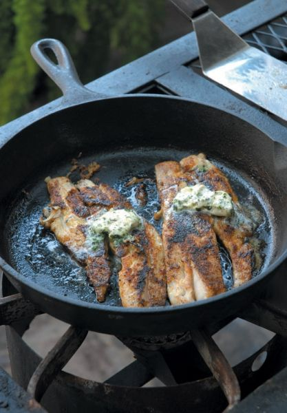 Blackened redfish bbq oysters casual new orleans for Red fish grill new orleans