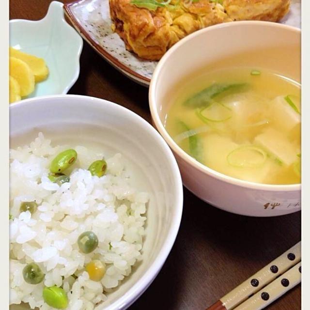 素朴な朝ご飯~(≧◡≦) - 10件のもぐもぐ - 豆ご飯 by smileandnico528