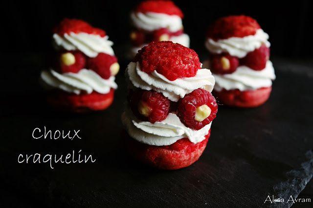Choux craquelin cu cremeux de zmeură și curd de lămâie | Alina Avram's Blog