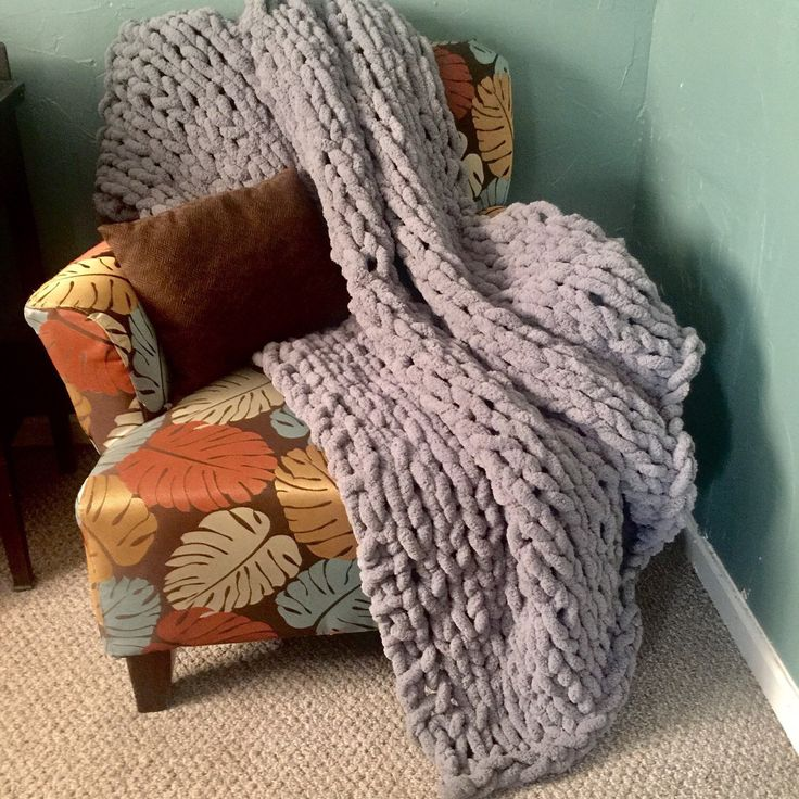 Shuyazi Hand-Knitted Chenille Throw Grey X In Chunky Knit Blan
