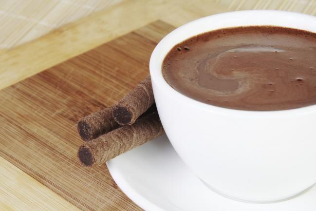 Combate el frío del invierno con este chocolate caliente con alcohol, ¡delicioso! - IMujer