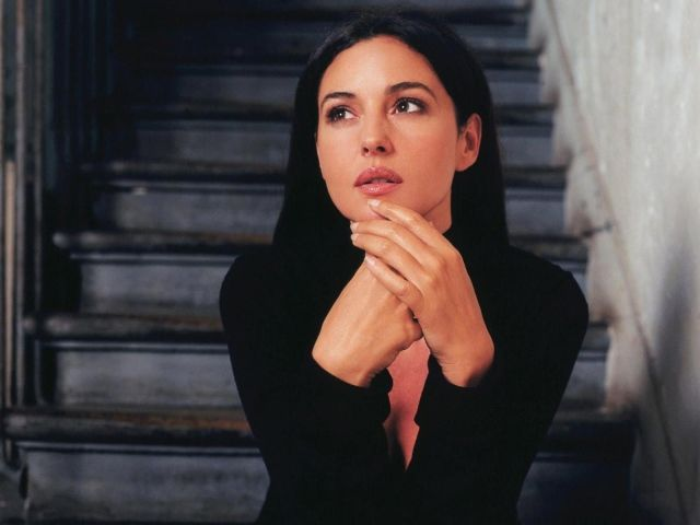Женщине легче преодолеть свою страсть, нежели свое кокетство.