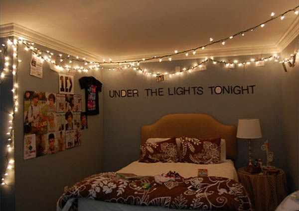66 creative ways to use Christmas lights in the bedroom