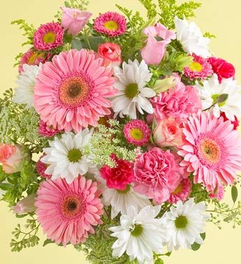 A #bridal #bouquet for the #ladies who love #pink