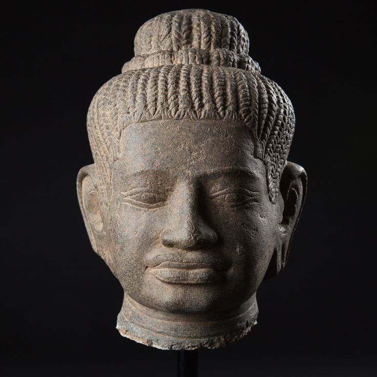 BUDDHA HEAD, CAMBODIA - KHMER BAPHUON TYPE - AD 11TH CENT. SANDSTONE, Height: 20 cm