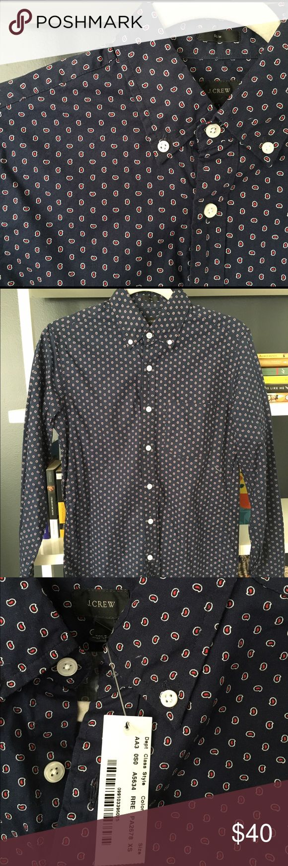 J Crew Men's XS Button Down J.Crew Men's Slim fit button down. It is a slim fit XS long sleeve covered in a small white and red paisley print. Never been worn! J. Crew Shirts Casual Button Down Shirts