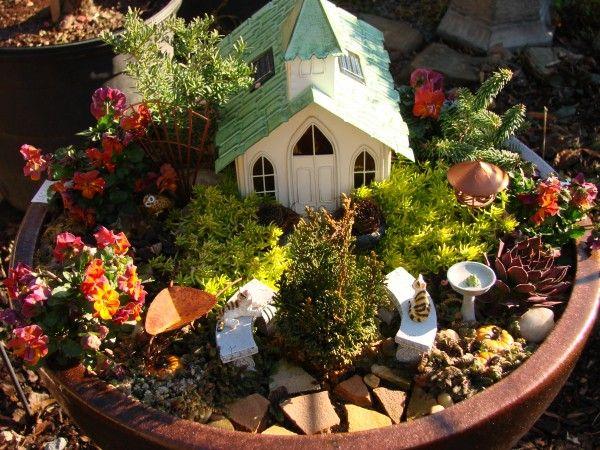 17 best images about indoor garden on pinterest gardens for Indoor mini garden ideas
