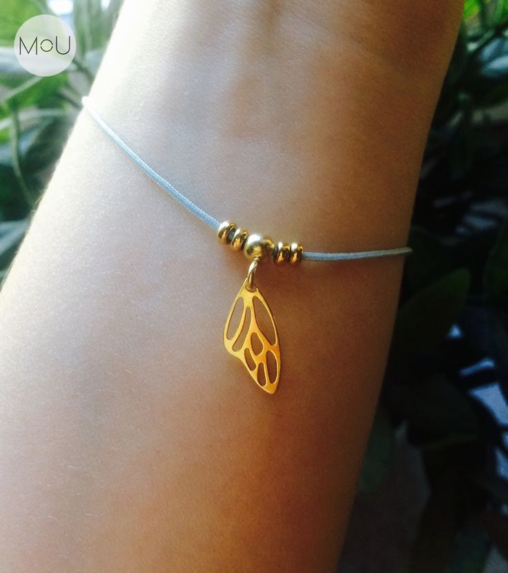 Hemp bracelet with lace dragonfly wing made entirely of golf plated silver by MOU