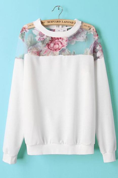 Loving this super stylish Urban Sweetheart sweatshirt.