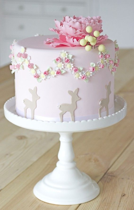 cake with peony topper, flower wreath and bambi by petite homemade Mehr