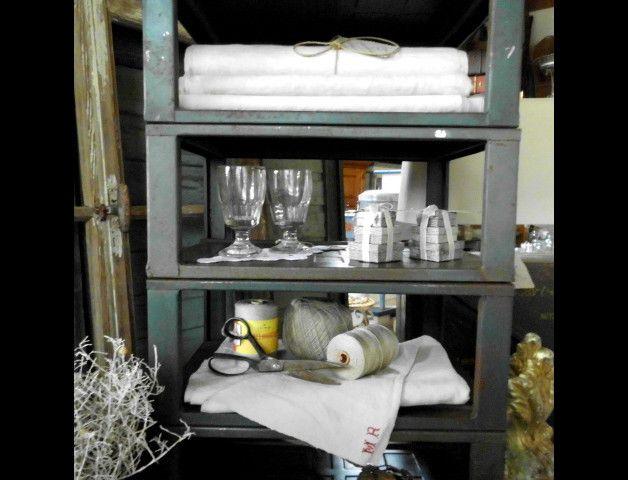 Vintage Schränke - altes & uriges Regal*Industrieregal*Stapelr... - ein…