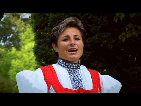 Olga Baricicova & Lukas Prajka - Vzpominka na lasku - YouTube