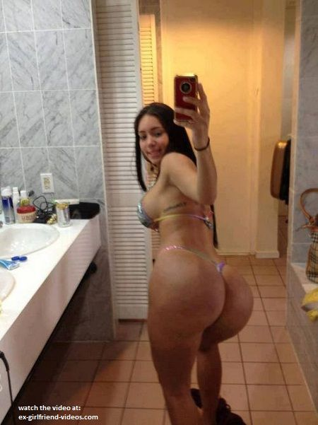 Light skin mature carrying big titties and a hairy pussy 5
