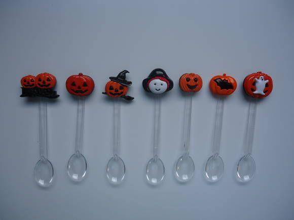 Colherzinha Halloween Ideal para serem usadas em festas de aniversário ou outras comemorações. Consultar disponibilidade de cores.  Pedido mínimo 30 unidades.  Fazemos colherzinhas personalizadas conforme o tema de sua festa, consulte-nos. R$ 0,60