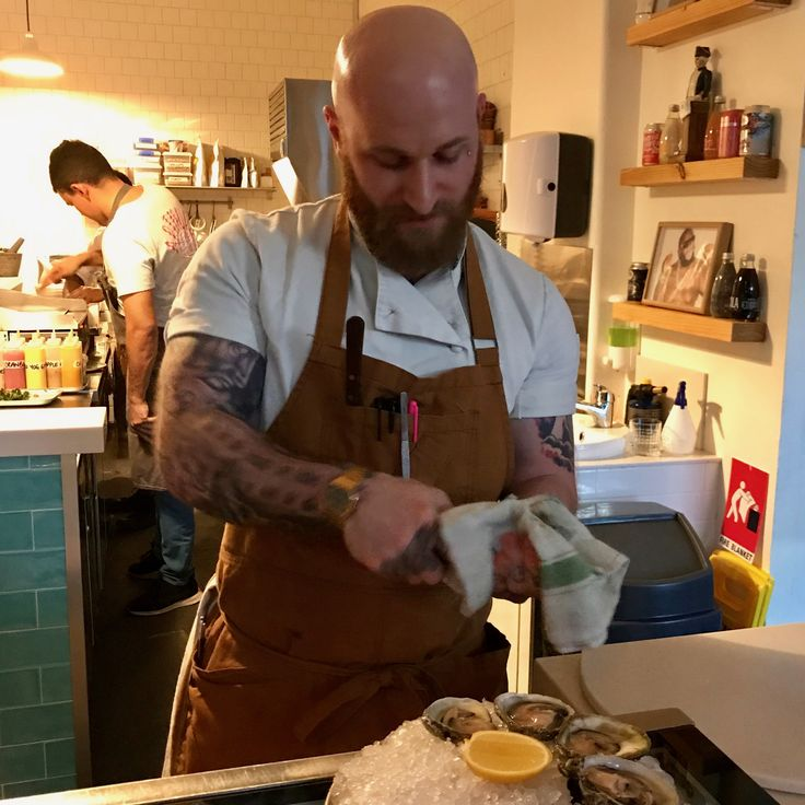 Freshly shucked oysters & other seafoodie snacks, interesting local beers & wine (6.10.2017) Robbie's