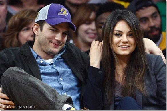 Mila Kunis y Ashton Kutcher se casaron en secreto - http://www.leanoticias.com/2015/07/06/mila-kunis-y-ashton-kutcher-se-casaron-en-secreto/