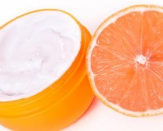 Crème corps anti-cellulite au pamplemousse : http://www.fourchette-et-bikini.fr/recettes/recettes-minceur/creme-corps-anti-cellulite-au-pamplemousse.html