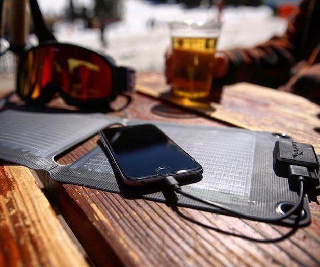 Startup cria carregador solar portátil para smartphone