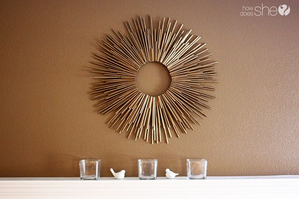 Love this DIY straw sunburst frame! So easy (and cheap!)