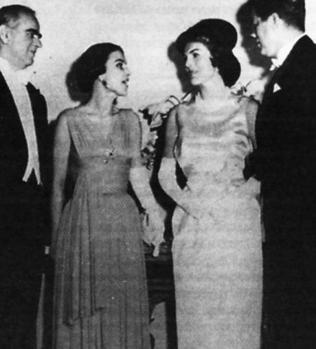 """Αμαλία Μεγαπάνου: Η Πατρινή Κυρία που παρέδωσε μαθήματα κομψότητας και ζήτησε... διαζύγιο από τον """"χωριάτη"""" Καραμανλή - Npress"""