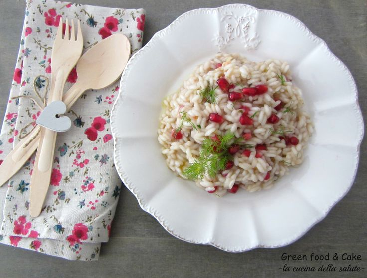 Risotto alla melagrana e spumante rosè http://blog.giallozafferano.it/greenfoodandcake/risotto-alla-melagrana/