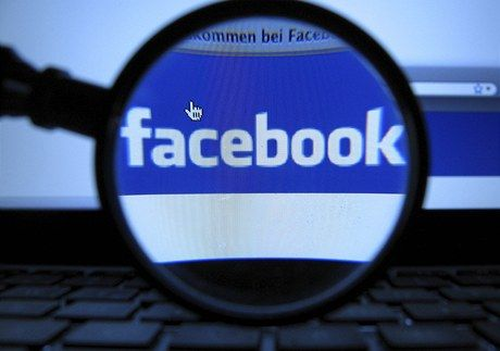 Facebook překvapil. Reklama v mobilech mu zajistila nečekané tržby