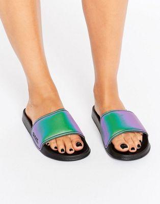 Sandalias con diseño tornasolado de Slydes
