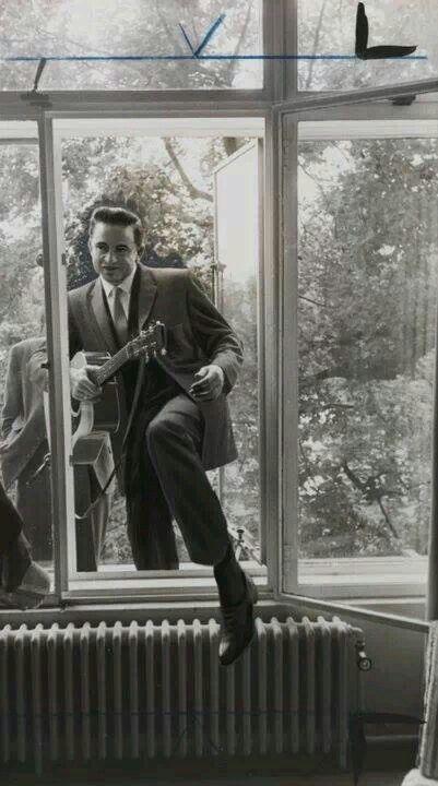 "Casually climbin' in yo window like ""Waddup I'm Johnny Cash"""