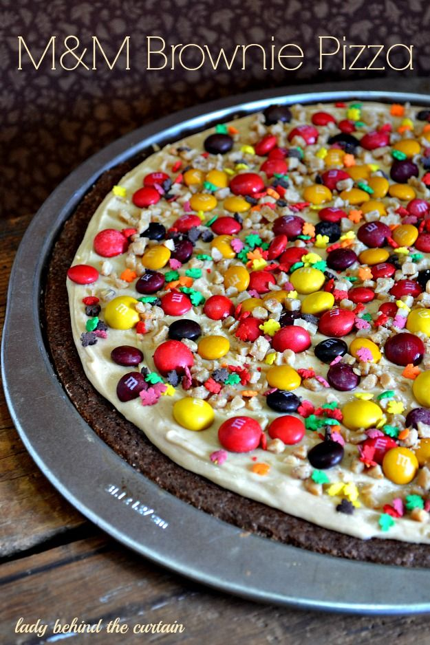 M&M Brownie Pizza - Lady Behind The Curtain