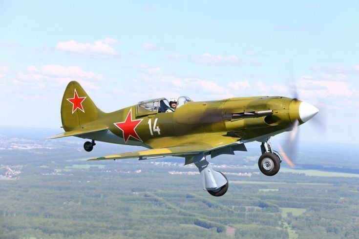finding and repairing old WW2 planes in Russia